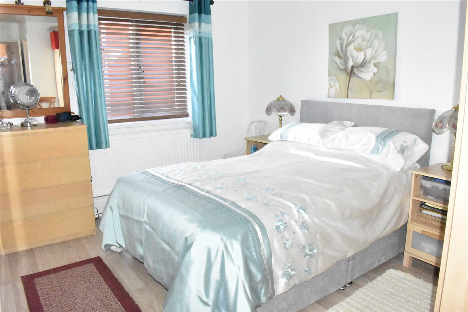 Sarlou Court, Uplands, Swansea, SA2 0LW